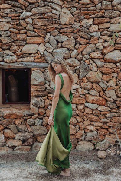 Poppy Dress In Green Silk With Train
