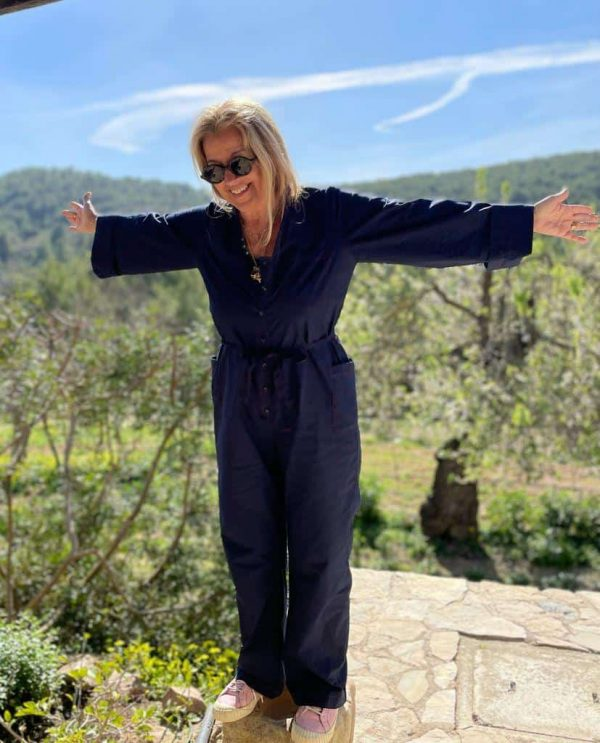 Long sleeved jumpsuit in navy blue