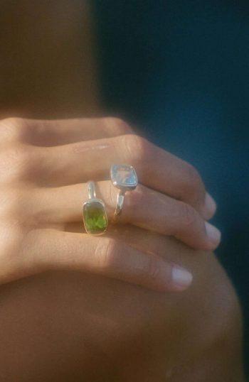 peridot stone ring