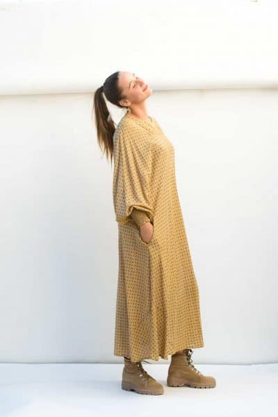 dolman sleeves with elasticated cuffs and pockets