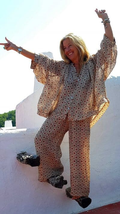 Victoria Durrer-Gasse modelling the Linen Sunny Trousers & Top