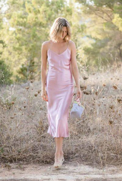 pale mauve silk dress with sandals