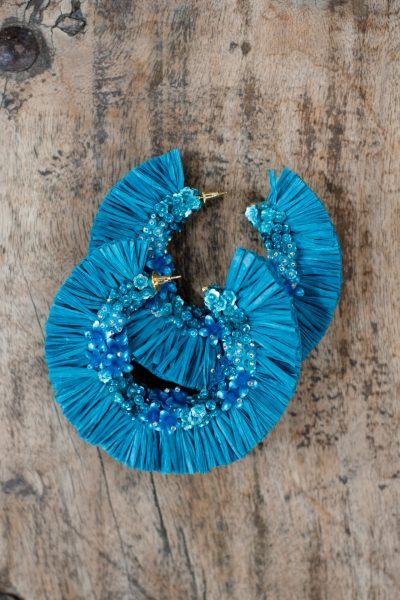 raffia earrings in blue in the shape of hoops