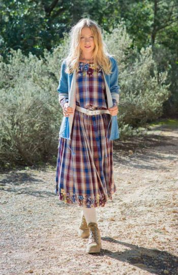 loose fitting dress with drawstring